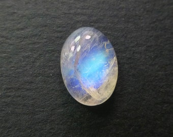 MOONSTONE. Natural. Blue and Rainbow. Natural Stunners. Smooth Oval Cabochon. Oval. 1 pc. 6.45 cts. 10x14x6 mm (MS445)