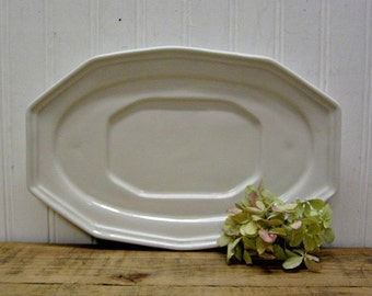 Vintage Red Cliff White Ironstone Heritage Gravy Boat Underplate