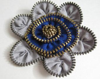 Gray & Blue Flower Zipper Brooch Pin