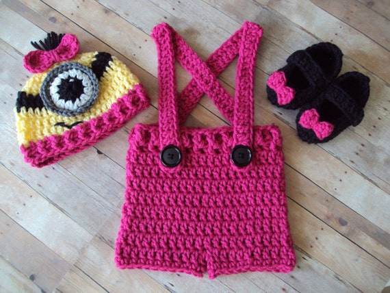 Free Crochet Pattern For Minion Hat And Overalls : Hand Crochet Baby Girl Minion Hat Overalls Maryjane Shoe Set
