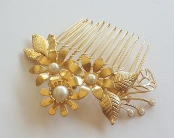 Gold Hair comb - bridal Hair Comb - pearl Hair Comb - Bridal Hair Accessories - floral Hair Accessories - Bridal hair jewelry - hea