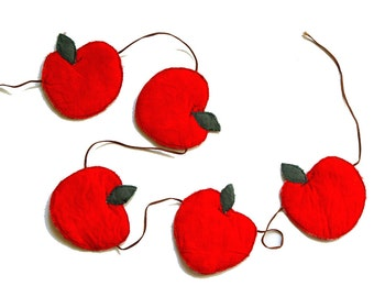 RED KITCHEN BUNTING, red apples, small garland, home decor, red gingham, fine craft, kitchen garland, red decor, mini bunting, food art