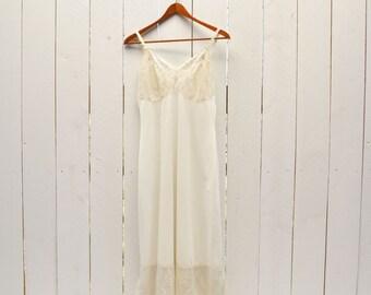 Lace Full Slip Vintage Delicate Creamy White 1950s Slip Dress 36 Inch Bust Small Medium