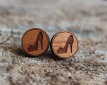 mignonnes puces en bois talons hauts // cute studs earrings wood high heels (bo-942)