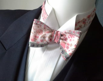 man's bowtie, cotton fabric, adjustable, self tie made by Bagzetoile in France