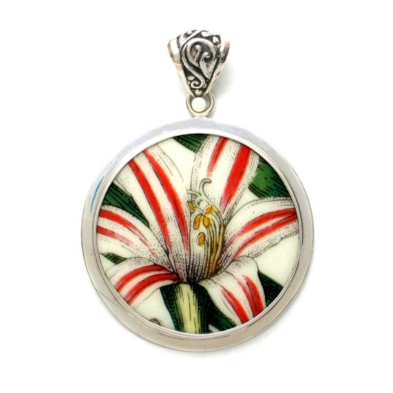 Broken China Jewelry Portmeirion Botanic Garden Belladonna Lily Flower Sterling Circle Pendant