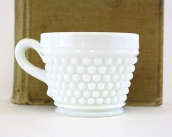Vintage Hobnail Milk Glass Punch Cup (E5742)
