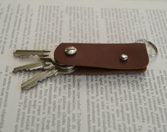 Key holder, holds 1-4 regular keys, soft leather