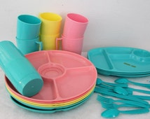 Gothamware Picnic Dishes Cafeteria Tray Mugs Silverware Server Plates Turquoise Yellow Pink Kitsch 1950s Vintage