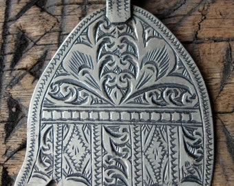 Wide Moroccan hand engraved Hand charm pendant (H)