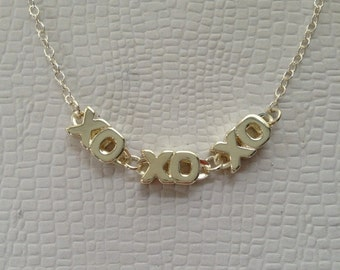 Hugs and kisses sterling silver necklace, Shown your love on a special day without words