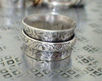 Sterling Silver Wide Floral Antiqued Spinner Ring