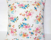 Shabby Chic White vintage flower Pillow cover/ Cottage chic/ Throw pillow/ Decor shabby chic pillow covers/ Shabby chic Decor