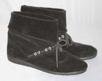 Vintage '80s COASTERS CORDUROY BOOTIES Slouch w/ Silver Rivets and Laces Size 8