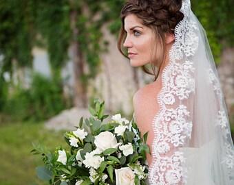 Wedding Veil, Ivory lace trim, Fingertip Length Bridal Veil, Tulle - Josephine - VE439