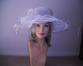 Kentucky Derby hat Ivory