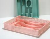 Vintage Kitchen Gadgets Flatware Silverware Drawer Organizer Tray Caddy Bubble Gum Pink Mesh