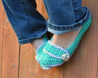 Sea foam green slippers, crochet slippers, booties, womens slippers, womens crochet slippers, winter fashion, socks, crochet shoes