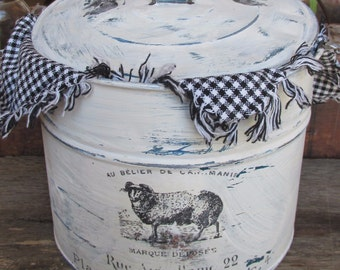 Shabby white French bucket, Vintage berry pail, lunch pail, shabby french chic, lidded tin pail