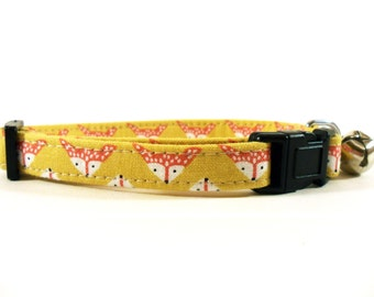 Cat or Small Dog Collar Foxes in Gold