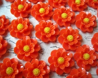 Orange Cabochon Flowers, 6 pcs 18mm Bright Orange Resin Flower Cabochon, Perfect for Bobby Pins, Rings, Earrings