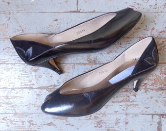 leather peep toes/ made in italy/ kitten heels/ BORELLI// 8AA
