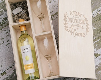 Engraved Natural wood wine box with enough space for a USB drive (2 wine glasses included in the box)