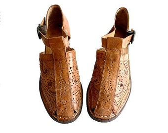 90s PIKOLINOS  shoes us7.5  tooled leather cut out