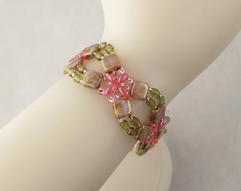 Flower Lattice Bracelet in Pink and Green with Beaded Button Clasp
