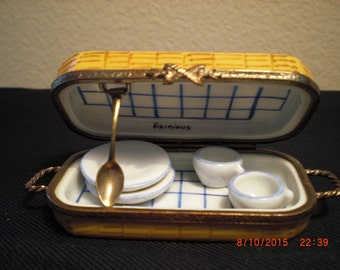 Eximious Limoge picnic box