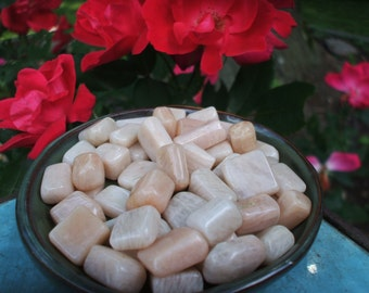Set of 4 Peach Moonstone Crystals - Tumbled Gemstone - Reiki charged, Love, Childbirth, Dreams, Intuition, Chakra Healing, Heart Chakra Yoga