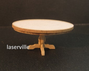 Dollshouse miniature quarter scale (1/48) table oval.