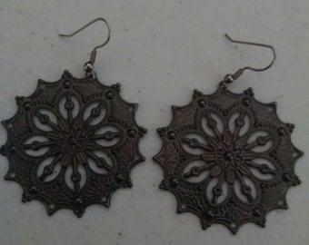 Metal disc Earrings