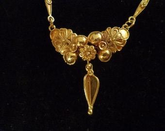 14k  Gold Etruscan Italian Necklace foliate ornate links fabulous
