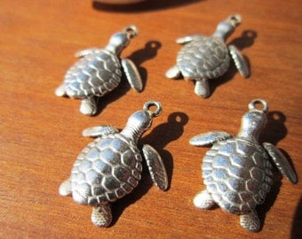 10pcs Turtle charm pendant, silver turtle, turtle charm, turtle pendant, Necklace charms, silver charms, charms for jewelry making