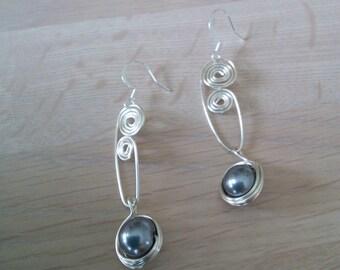 Black Pearl Wire Earrings