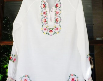 Embroidered Top Blouse Shirt White Floral Ruffle Cuff Gypsy Peasant Mexican Hippie Multi Color Flower Mandarin Collar Puff Sleeve Elastic XS
