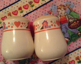 Salt and Pepper Shakers Vintage+House and Hearts+1970 Kitchen