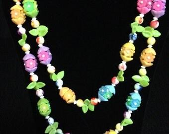 Vintage 1960's Costume Plastic Floral Necklace (ABX2E)