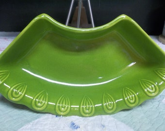 SALE! was 6.00 Vintage California USA L74 Lime Green Dish with Mod Detail S
