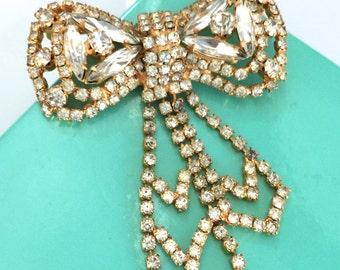 Clear Rhinestone Bow Brooch, Figural Brooch, Wedding Jewelry, Vintage Bridal, Special Occasion, Prom Jewelry