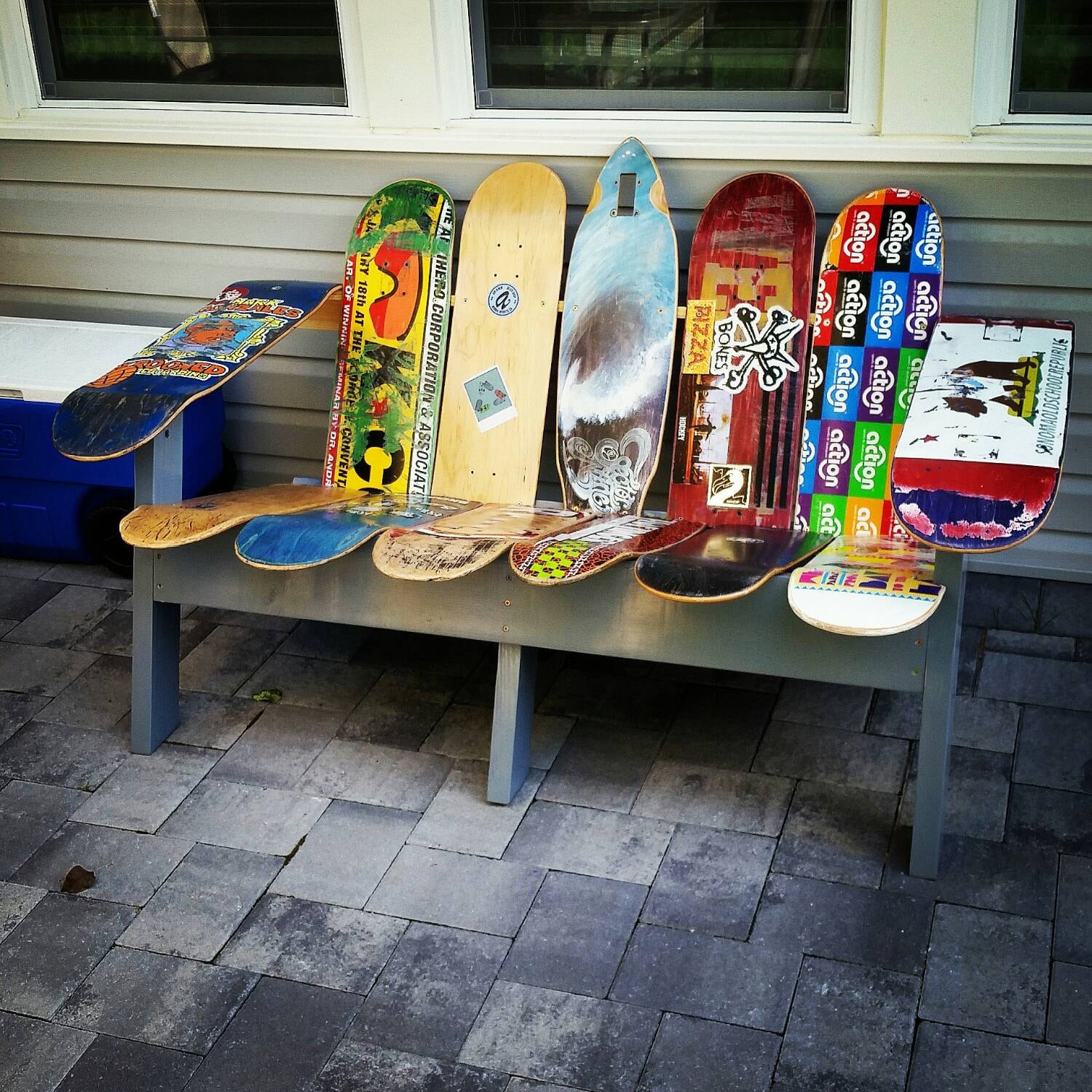 adirondack bench using repurposed skateboard decks