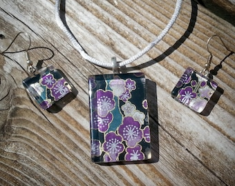 Japanese chiyogami glass tile jewelry set - plum and hunter green on black