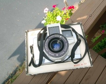 Revere Eye matic 127 camera model EE-127 film camera FULLY WORKING- very good to excellent condition-Chrome top