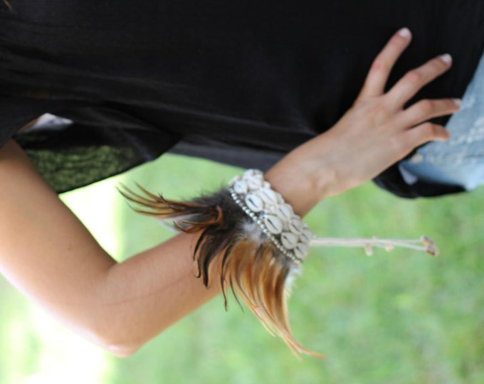 Brown Feathers Bracelet with shells!