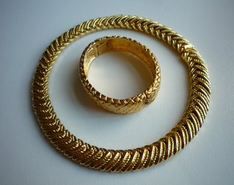 Vintage Napier Gold Tone Chunky Choker Necklace Hinged Bracelet Set