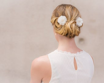 Bridal hair flowers alba roses Olivia freshwater pearls Set of 2