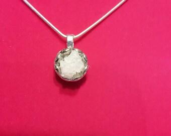 Geod necklace