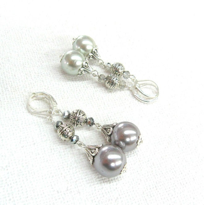 Gray Majorca Pearl Earrings With Pyrite Crystal Glass And
