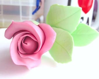 Open rose bud, vintage style wired sugar flower.  Hand-made to order, can be made in any colour.